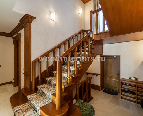 Деревянные лестницы на заказ. Отделка деревом лестницы на металлокаркасе