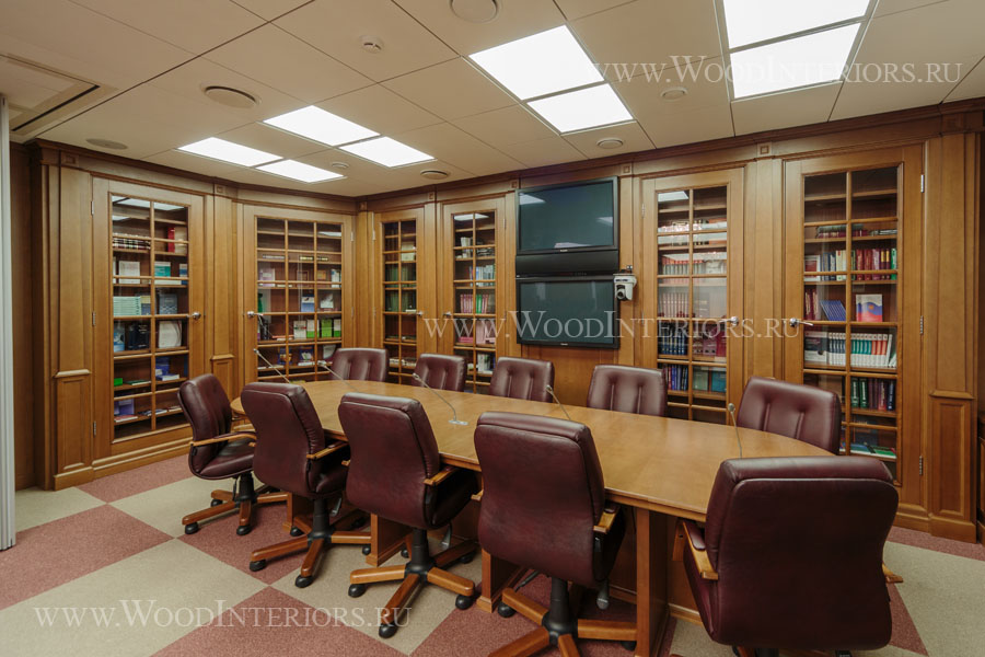 Деревянный интерьер зала конференций. ФНП. Фото1