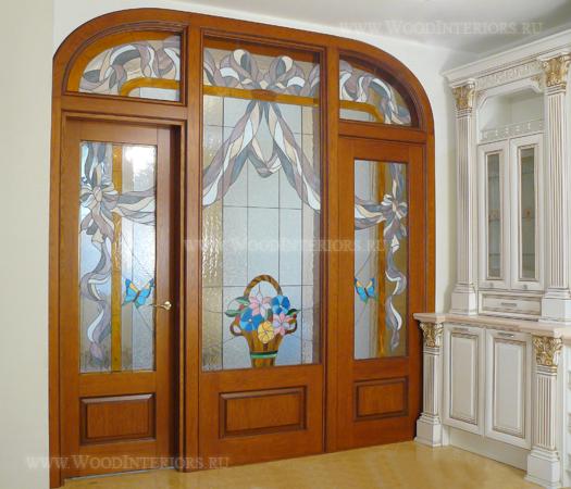 Перегородка и межкомнатная дверь с витражами