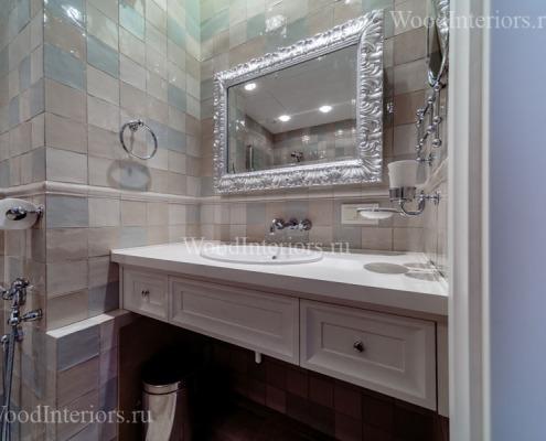 Отделка квартиры деревом. Столешница в ванной. Фото6
