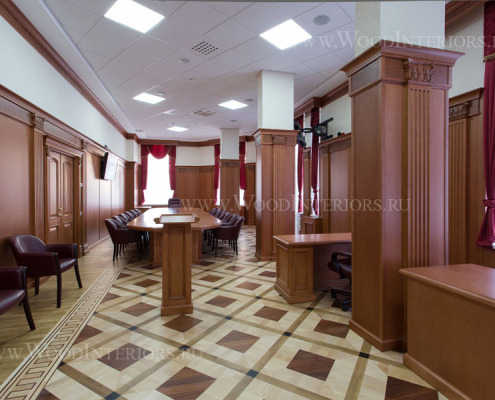 Деревянные стеновые панели в интерьере зала президиума. Фото 1