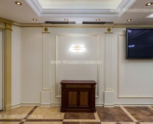 Деревянные стеновые панели в интерьере зала заседаний. Фото 13