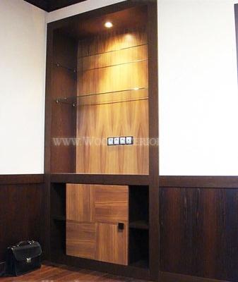 Деревянные панели для стен в интерьере кабинета. Фото 2