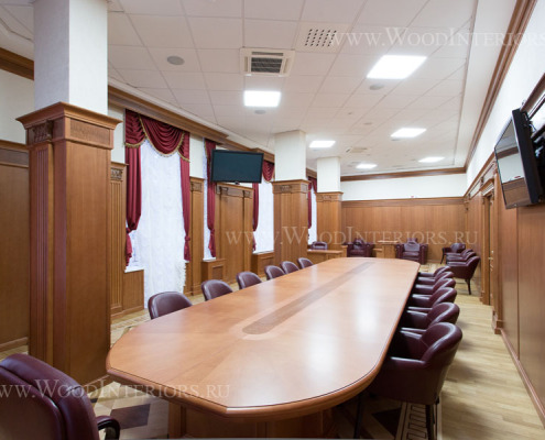 Деревянные стеновые панели в интерьере зала президиума. Фото 4