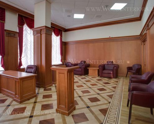 Деревянные стеновые панели в интерьере зала президиума. Фото 6