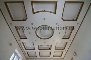 Деревянный кессонный потолок. Петрушино5-2