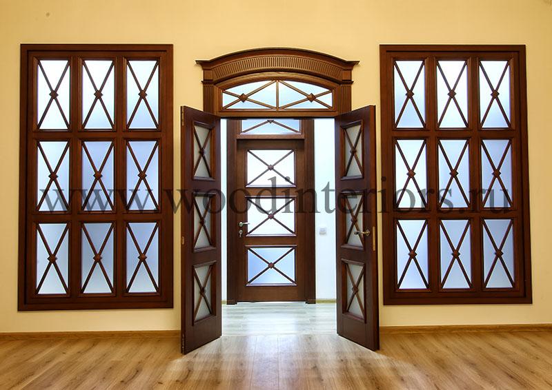 Двустворчатая арочная дверь с витражом. Товарищеский 1