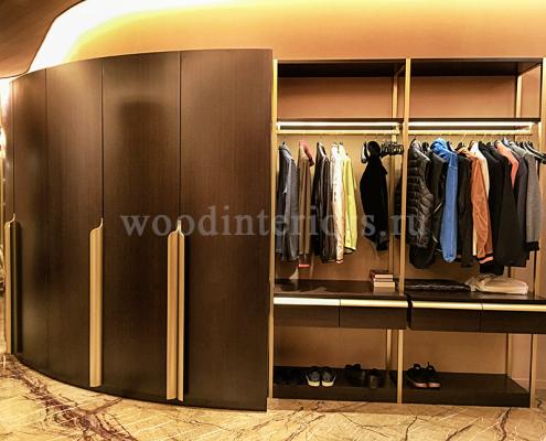 Мебель из дерева на заказ для гардеробной комнаты №122