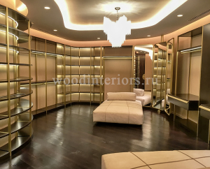 Мебель из дерева и латуни на заказ для гардеробной комнаты №220