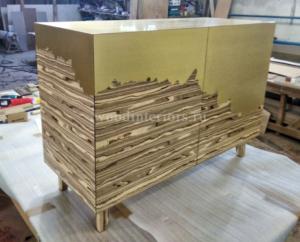мебель из латуни и дерева. тумба